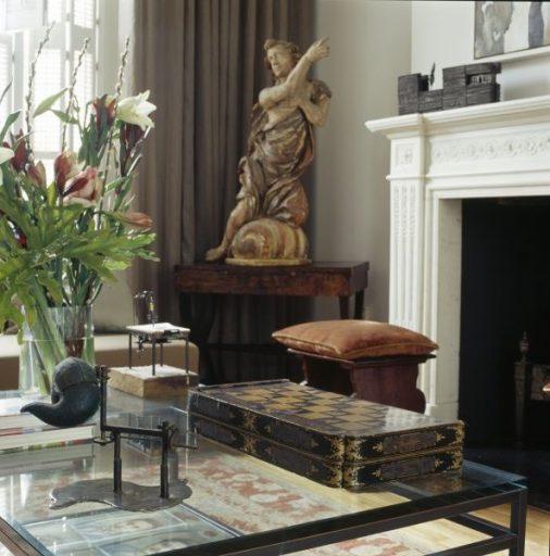 como-decorar-salas-con-esculturas