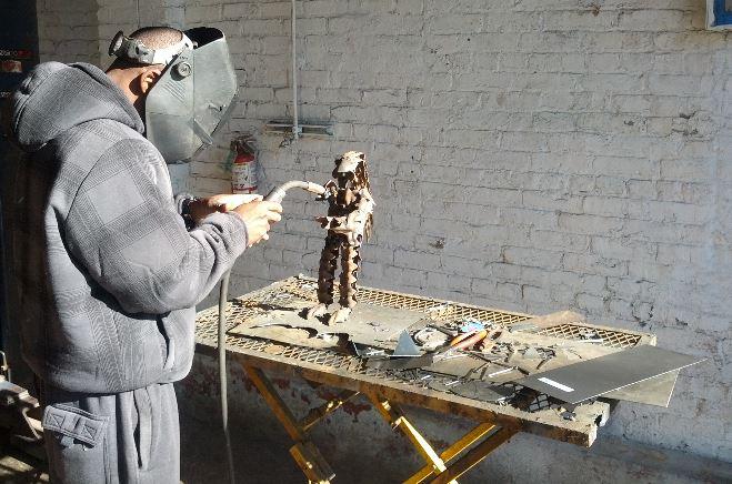 fundiendo-escultura-bronce